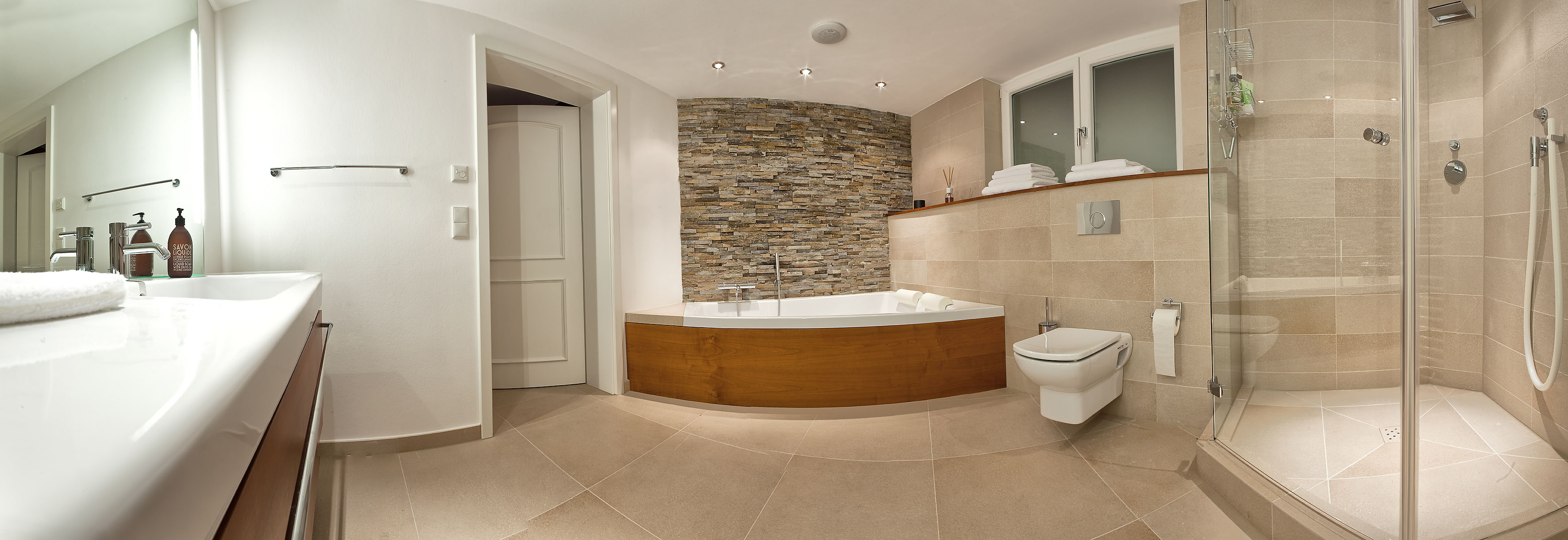 Komplette Badezimmer